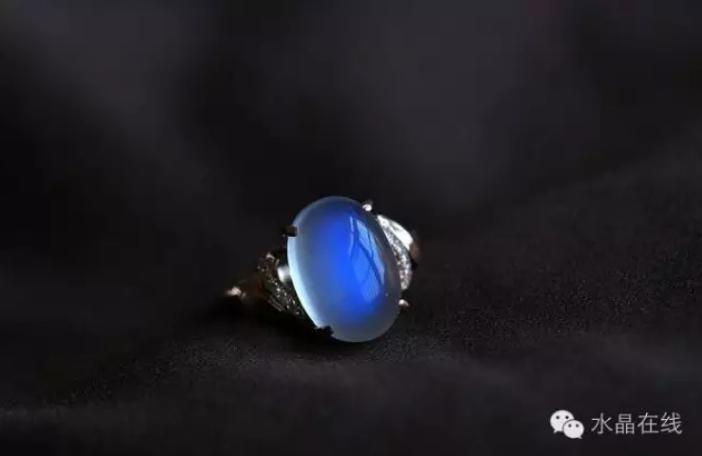 2021020212090247 - 月光石,你喜欢白月光还是蓝月光?
