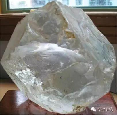 仿水晶饰品的简易识别法