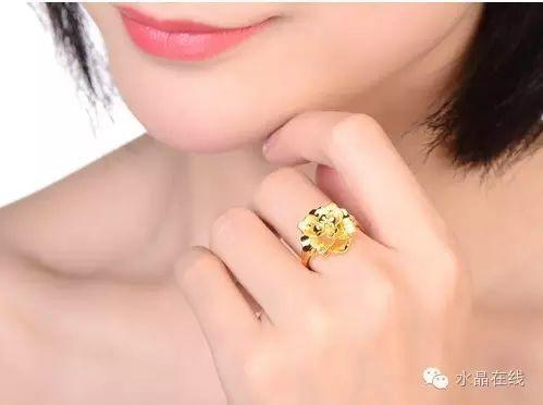resize,m fill,h 372,w 499 - 从佩戴水晶珠宝来看出你属于哪种女人