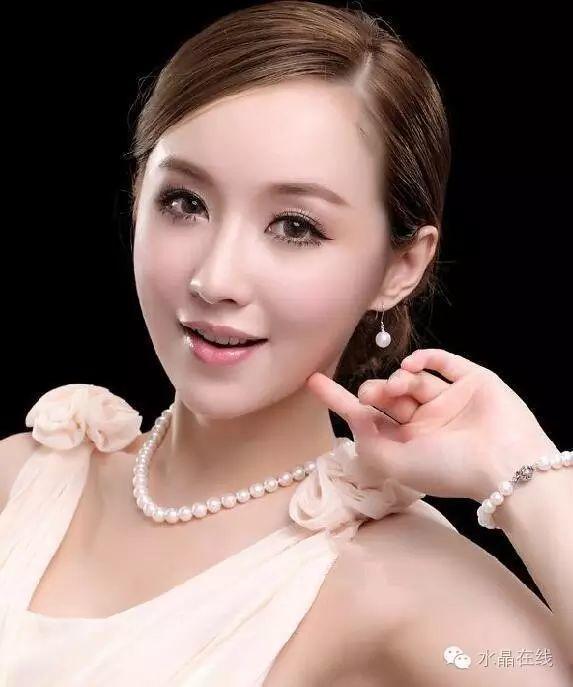 resize,m fill,h 687,w 573 - 从佩戴水晶珠宝来看出你属于哪种女人