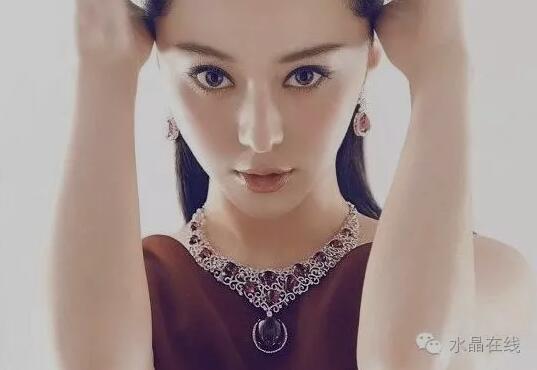 """2021021412412193 - 不同的脸型佩戴不同的水晶珠宝,让美""""事半功倍""""!"""