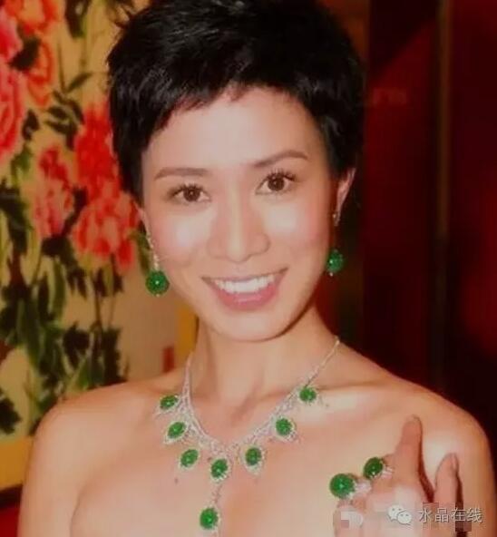 """2021021412414485 - 不同的脸型佩戴不同的水晶珠宝,让美""""事半功倍""""!"""