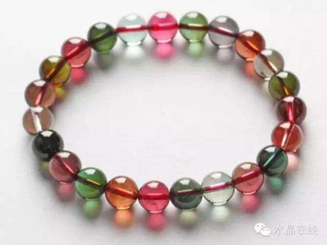 20210221140520100 - 据说女人经常佩戴这些水晶珠宝身体好,远离中医!