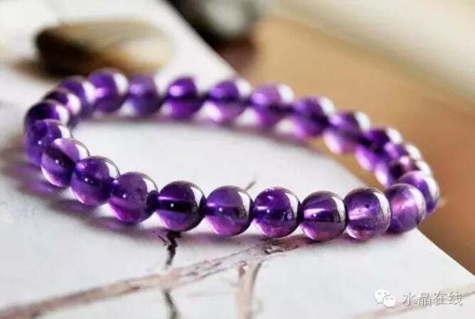 2021022114052419 - 据说女人经常佩戴这些水晶珠宝身体好,远离中医!