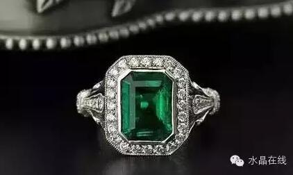 2021022114055894 - 据说女人经常佩戴这些水晶珠宝身体好,远离中医!