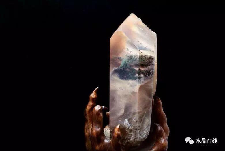 水晶瑕疵,造就了天然水晶的缺憾美