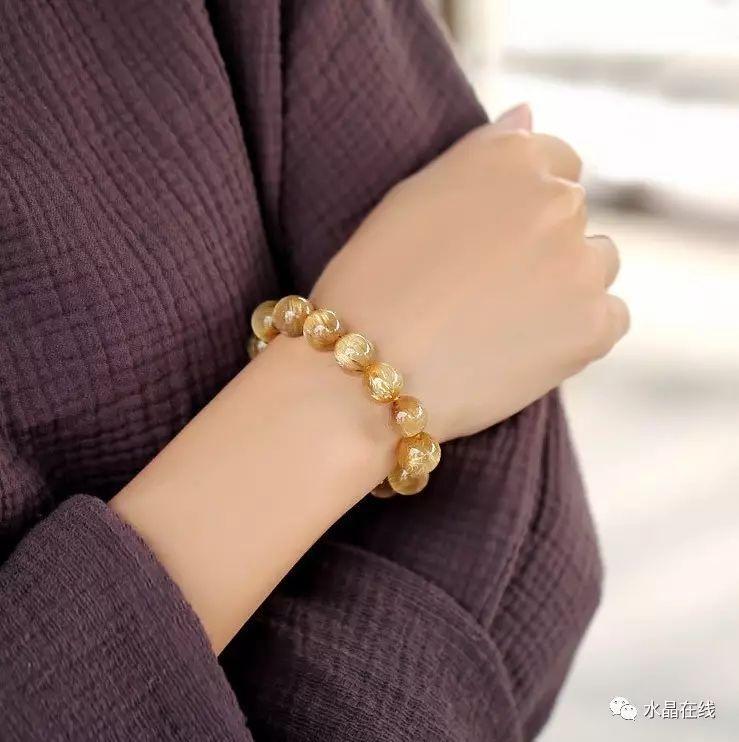 resize,m fill,h 742,w 739 - 每一个女人都应该有自己的一条水晶手链!