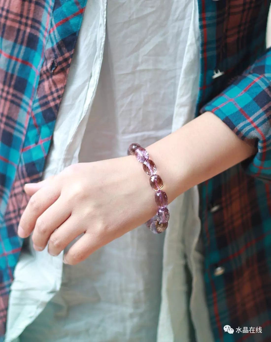 resize,m fill,h 1390,w 1100 - 每一个女人都应该有自己的一条水晶手链!