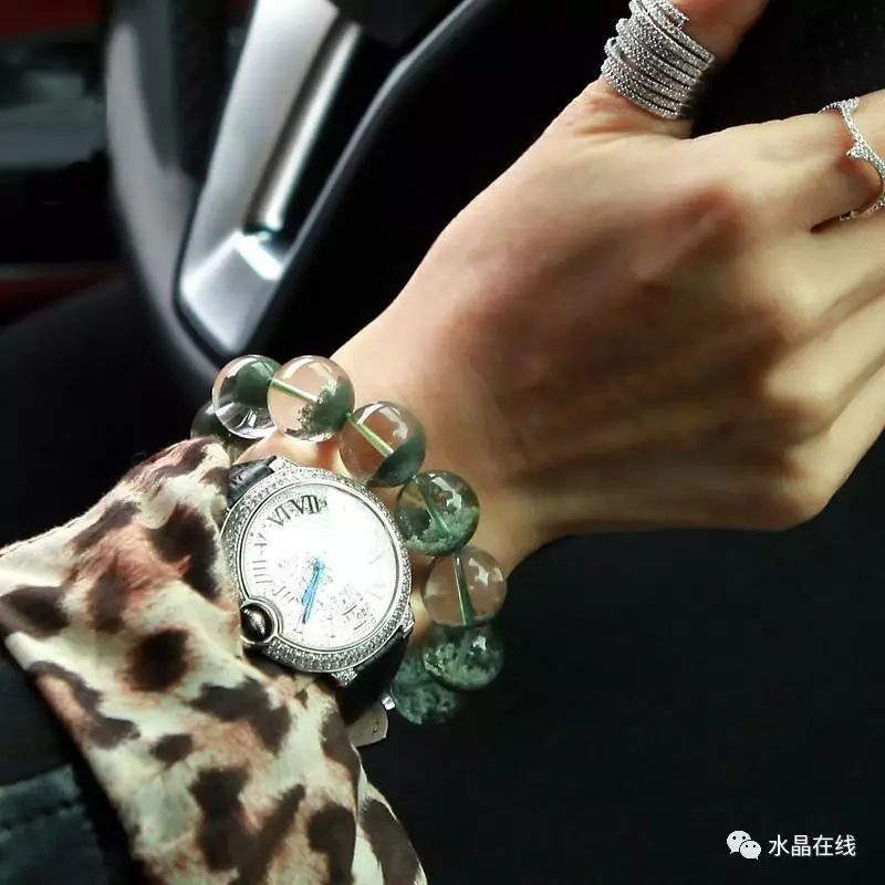 resize,m fill,h 800,w 800 - 每一个女人都应该有自己的一条水晶手链!