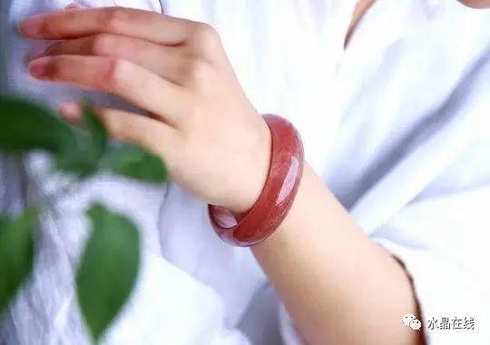 resize,m fill,h 380,w 540 - 七夕情人节送什么礼物好呢?我推荐选一件水晶送女朋友!