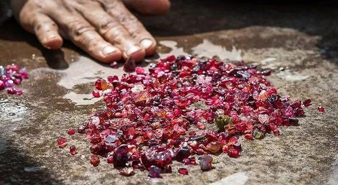 resize,m fill,h 367,w 671 - 2021年,水晶市场将会迎来怎样的变化?宝石行情走势又将如何?