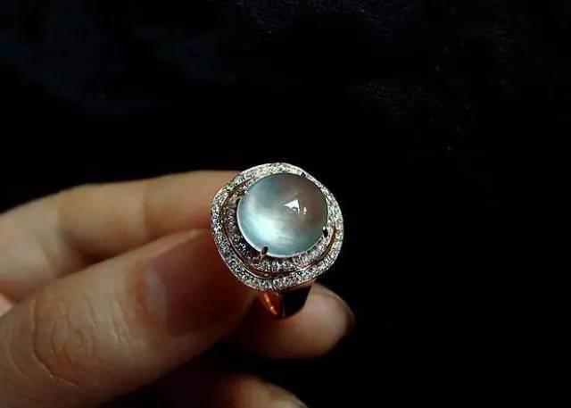 resize,m fill,h 457,w 640 - 为什么镶嵌必须用K金?直接千足金镶嵌珠宝玉石不行吗?
