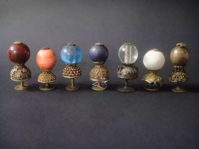 """resize,m fill,h 480,w 640 - 清代哪种水晶宝石最好?要从官员帽子最高处那颗""""顶珠""""说起!"""
