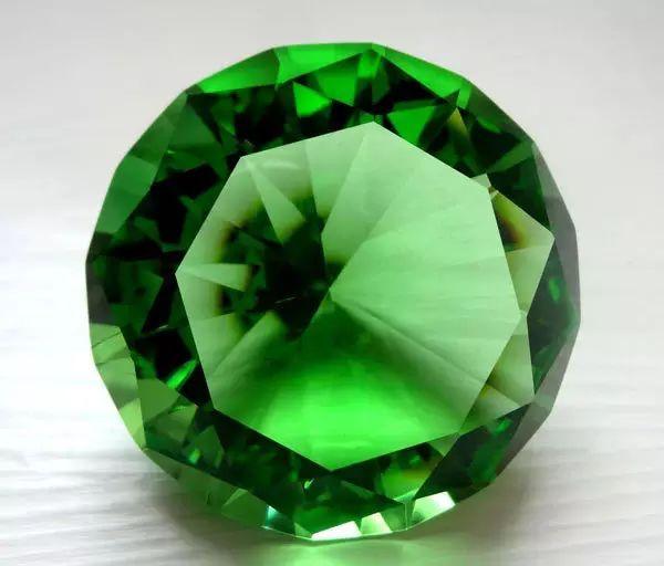 resize,m fill,h 512,w 600 - 天然水晶跟合成水晶有什么区别?为什么天然水晶更有价值?