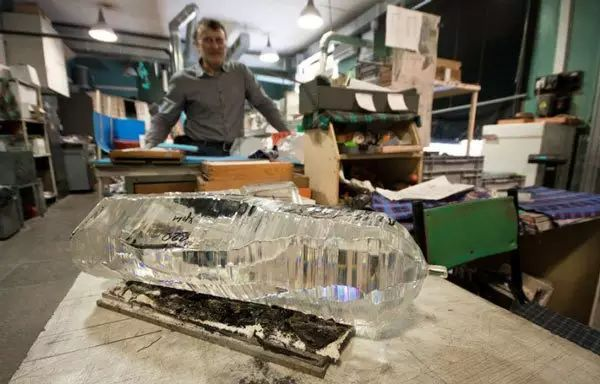 resize,m fill,h 384,w 600 - 天然水晶跟合成水晶有什么区别?为什么天然水晶更有价值?